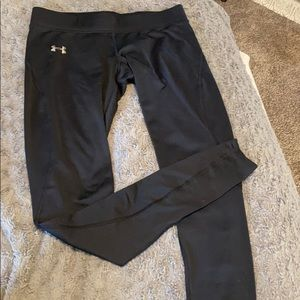 Under armour fitted cold gear leggings